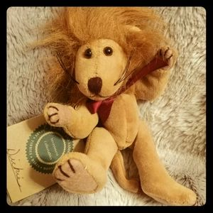 Other - Dickie the Lion from JB Bean